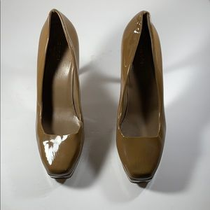 SALE 🛑 Gucci Tan Patent Leather Heels